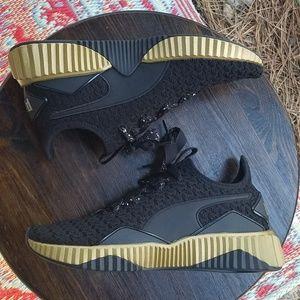 Nwot Puma Defy Sparkle Training Shoes